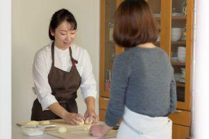 パン教室アラファリーヌ 比較実習の様子
